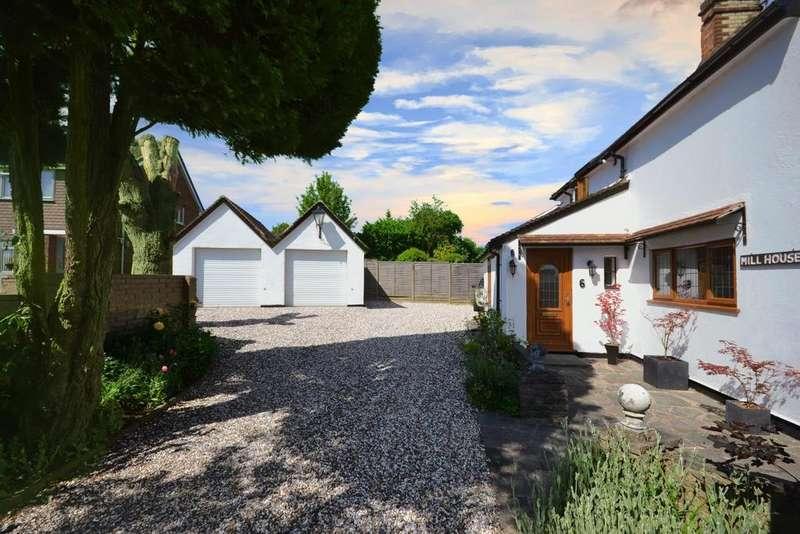 4 Bedrooms Detached House for sale in Waverley Close, Stevenage