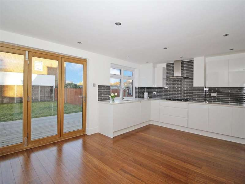 4 Bedrooms Semi Detached Bungalow for sale in Pickford Lane, Bexleyheath