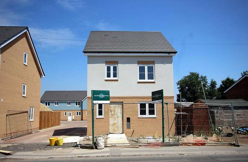 3 Bedrooms Detached House for sale in Clifton Road, Henlow, SG16