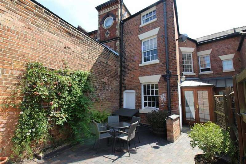 3 Bedrooms Semi Detached House for sale in Vernon Street, Derby
