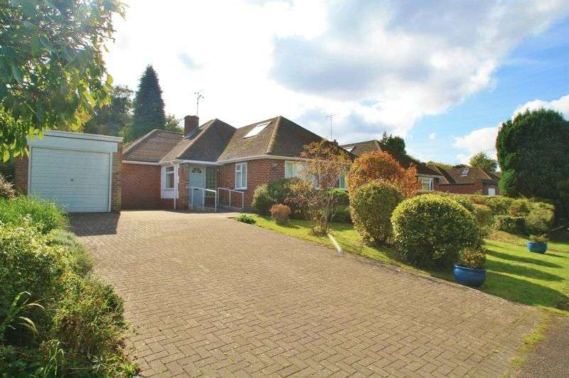 4 Bedrooms Property for sale in Summerfield Rise, Goring