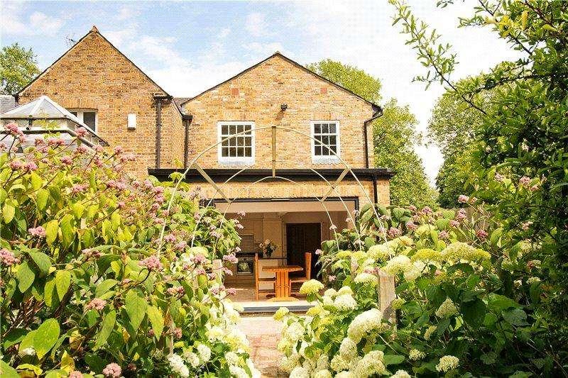 3 Bedrooms End Of Terrace House for sale in Kings Road, Windsor, Berkshire, SL4