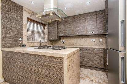 3 Bedrooms Semi Detached House for sale in Heatherfield Place, Ashton-on-Ribble, Preston, Lancashire, PR2