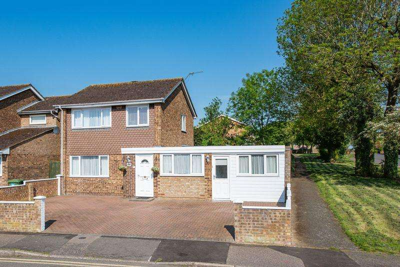 4 Bedrooms Detached House for sale in Sutherland Grove, Bletchley, Milton Keynes