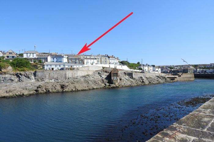 3 Bedrooms Cottage House for sale in Grenville, Mounts Pleasant Road, PORTHLEVEN, TR13