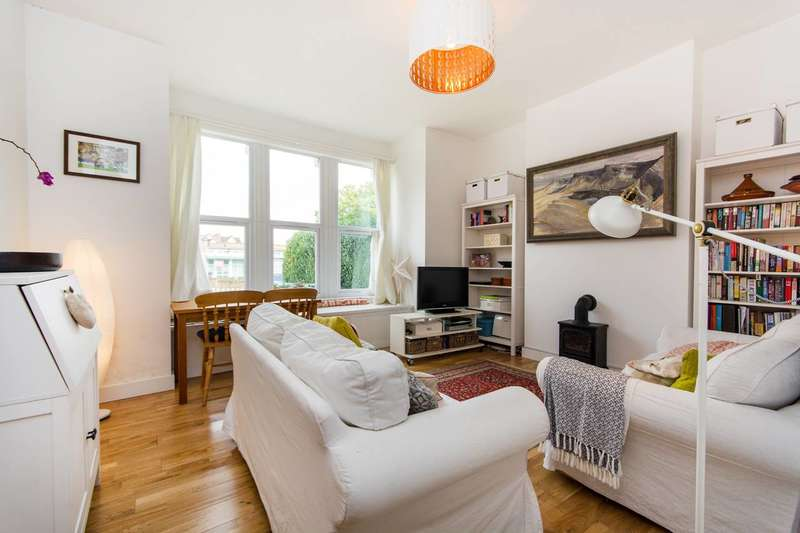 1 Bedroom Flat for sale in Champion Crescent, Sydenham, SE26
