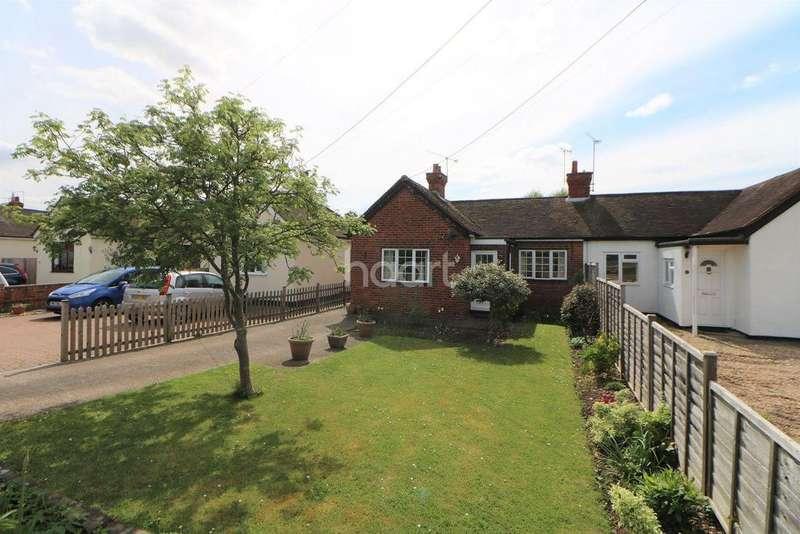 3 Bedrooms Bungalow for sale in Woodlands Park Village