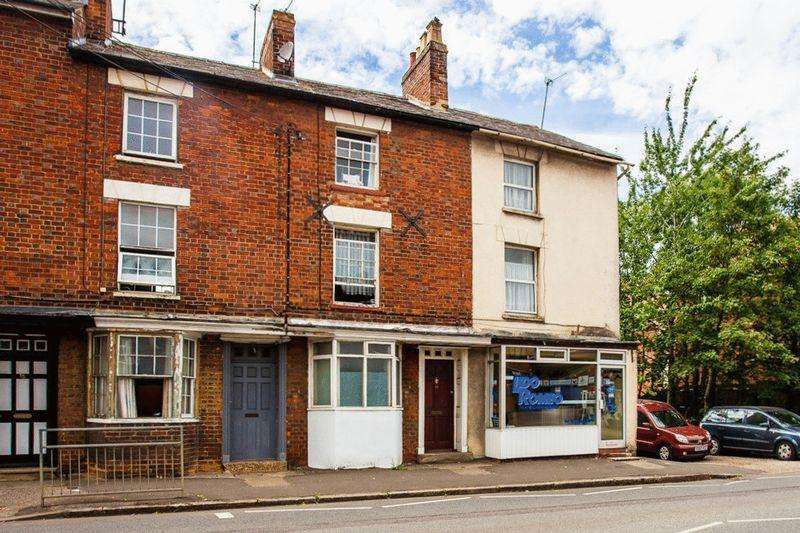 4 Bedrooms Terraced House for sale in Bridge Street, Buckingham