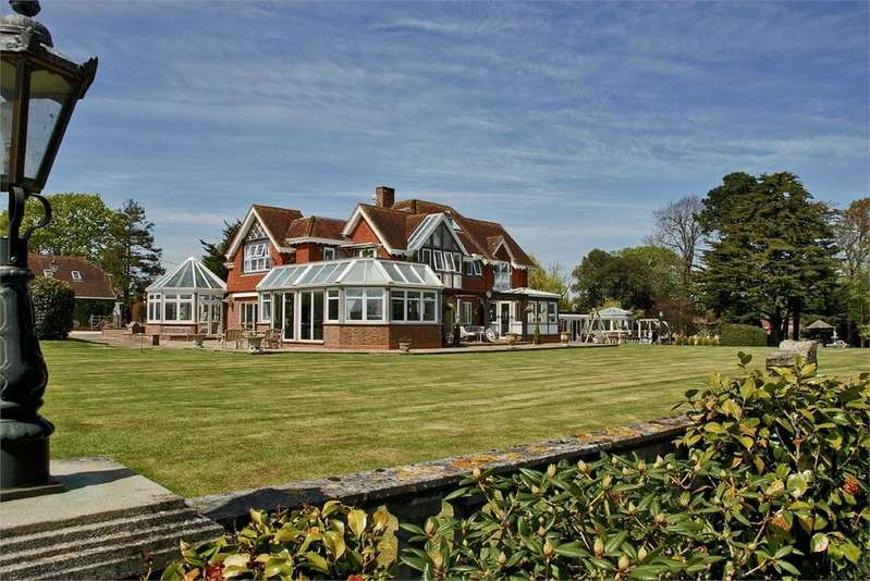 7 Bedrooms Country House Character Property for sale in Fire Station Lane, Beaulieu, Brockenhurst, SO42