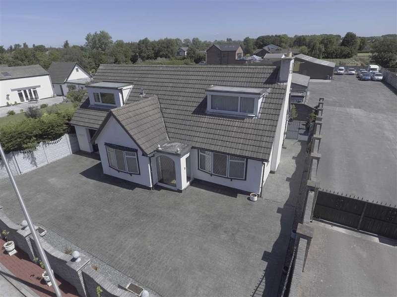 4 Bedrooms Detached Bungalow for sale in Sandy Lane, Blackpool