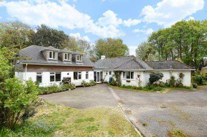 4 Bedrooms Detached House for sale in Mylor, Falmouth, Cornwall