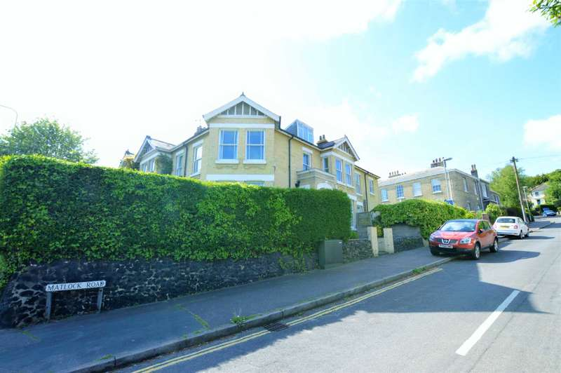 5 Bedrooms Semi Detached House for sale in Matlock Road, NR1