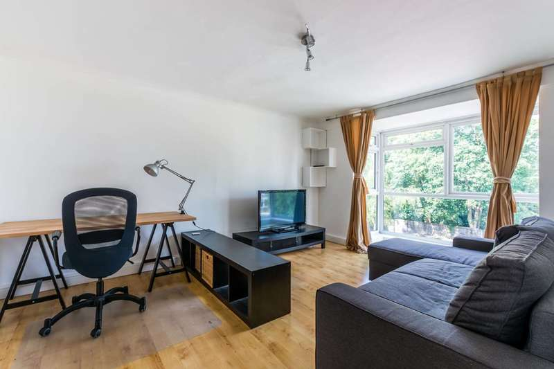 2 Bedrooms Flat for sale in The Squirrels, Lewisham, SE13