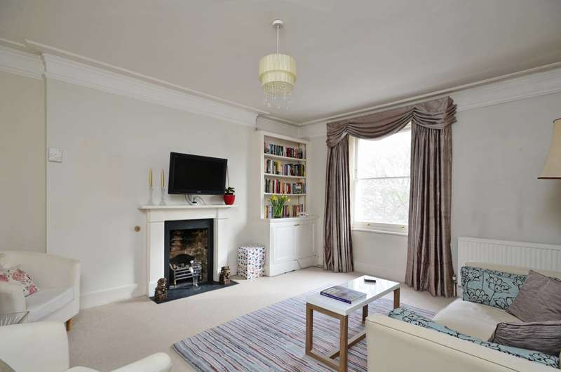 3 Bedrooms Flat for sale in Courtfield Gardens, South Kensington, SW5