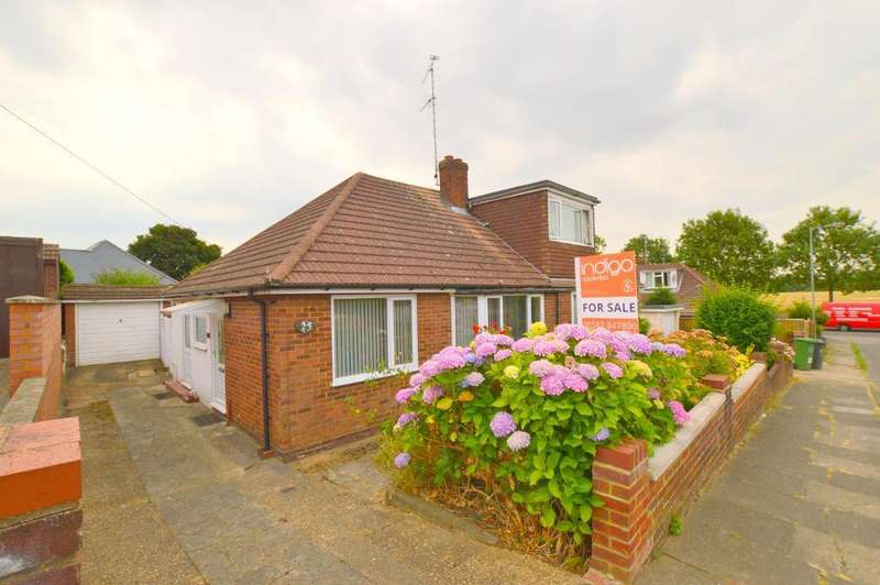 2 Bedrooms Bungalow for sale in Canberra Gardens, Warden Hills, Luton, LU3 2EU