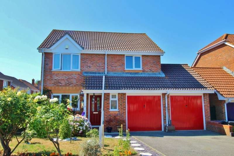 4 Bedrooms Detached House for sale in Wheelwright Close, Eastbourne, BN22