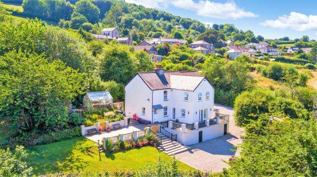5 Bedrooms Detached House for sale in Chilsworthy, Gunnislake, Cornwall