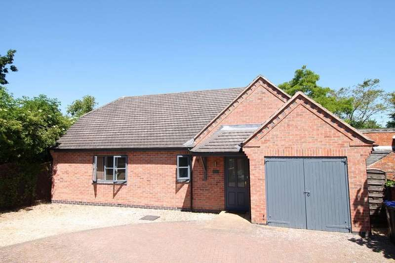 3 Bedrooms Detached Bungalow for sale in Clipston, Leicestershire