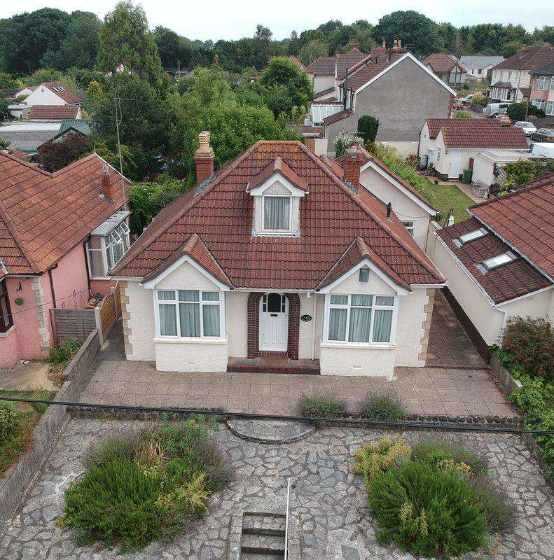 4 Bedrooms Detached Bungalow for sale in Bristol Road, Whitchurch Village, Bristol, BS14