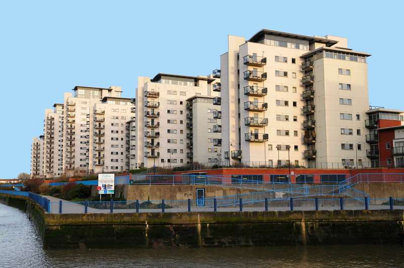 2 Bedrooms Apartment Flat for sale in Tideslea Tower, Royal Artillery Quay, SE28