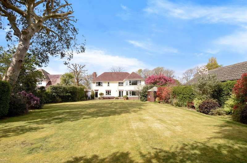 5 Bedrooms Detached House for sale in Sinah Lane, Hayling Island, PO11