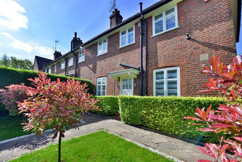 3 Bedrooms Cottage House for sale in Addison Way, London