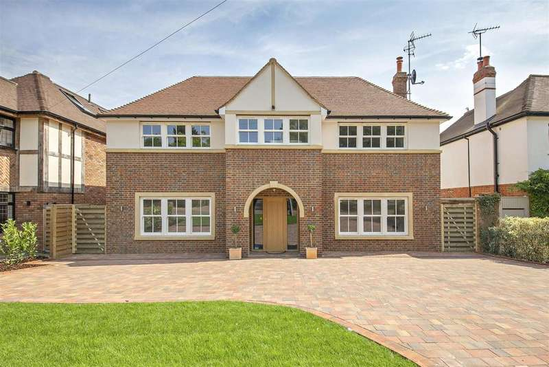 5 Bedrooms Detached House for sale in Goodyers Avenue, RADLETT