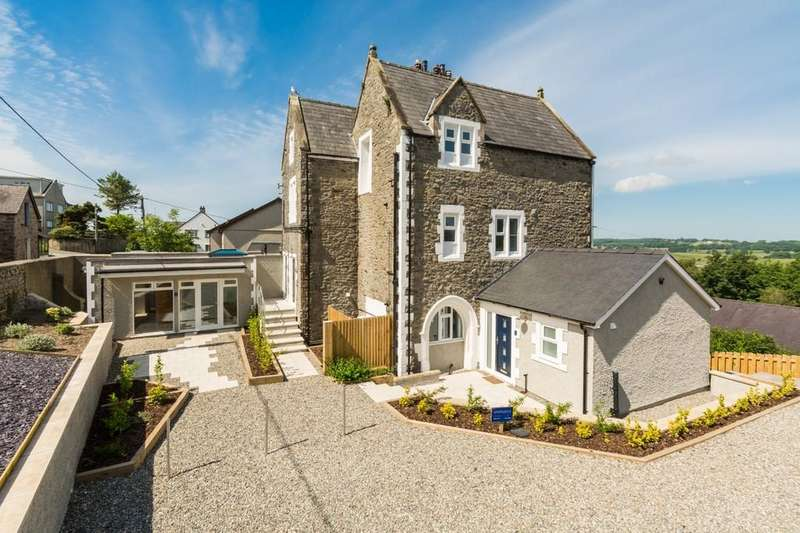 2 Bedrooms Apartment Flat for sale in Brynffynnon, Y Felinheli, North Wales