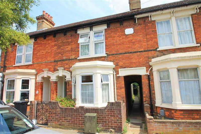 2 Bedrooms Terraced House for sale in Dudley Street, Bedford