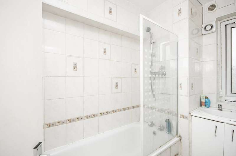 3 Bedrooms Flat for sale in Canterbury Terrace, Kilburn, NW6