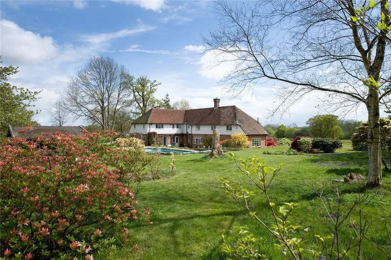 4 Bedrooms Detached House for sale in Rocks Road, Uckfield, East Sussex, TN22