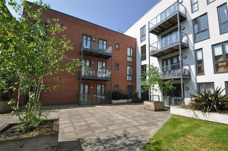 2 Bedrooms Flat for sale in Salvisberg Court, Otto Road, WELWYN GARDEN CITY, Hertfordshire