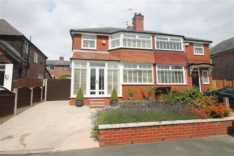 3 Bedrooms Semi Detached House for sale in Wingfield Drive, Manchester