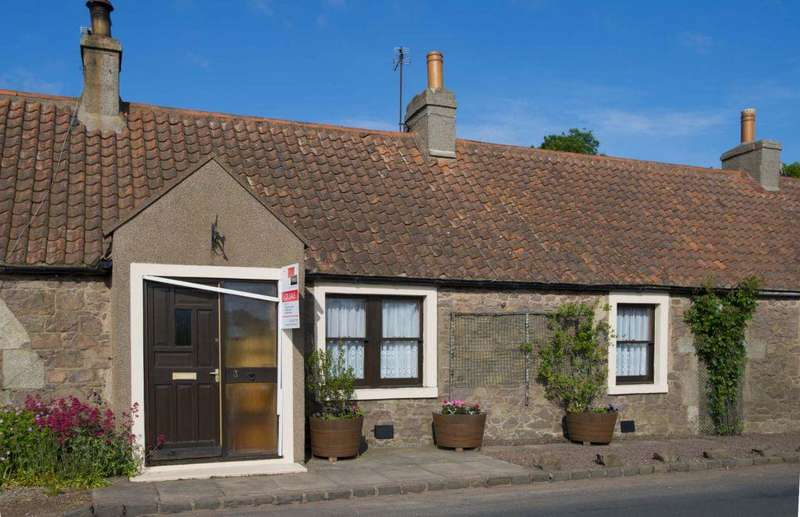 2 Bedrooms Cottage House for sale in 3 Smithy Row, North Berwick, EH39 5LD