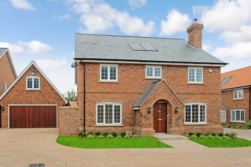 4 Bedrooms Detached House for sale in Williamson Way, Pitstone