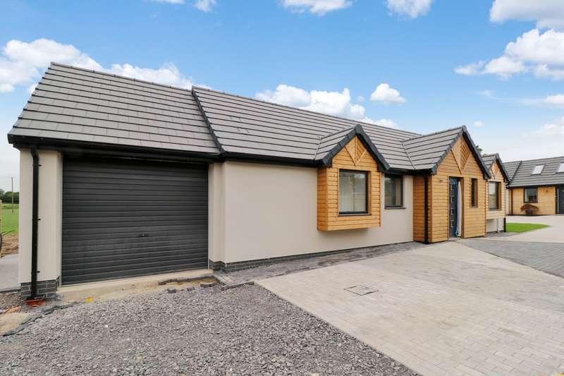 3 Bedrooms Detached Bungalow for sale in Long Lane, Walton