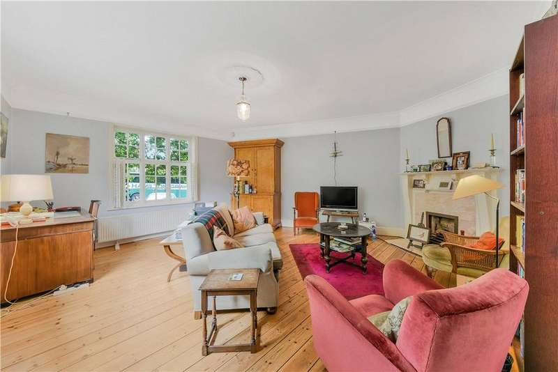 3 Bedrooms Detached House for sale in Chesterfield Walk, Greenwich, London, SE10