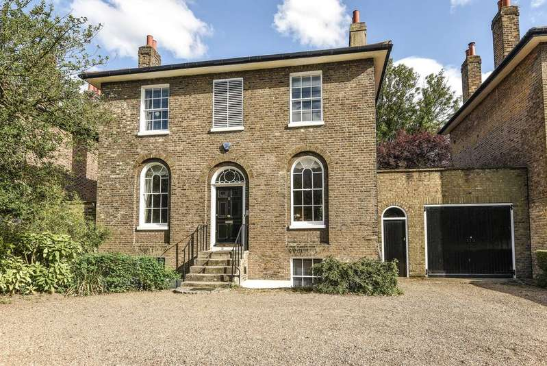 5 Bedrooms Detached House for sale in Shooters Hill Road London SE3