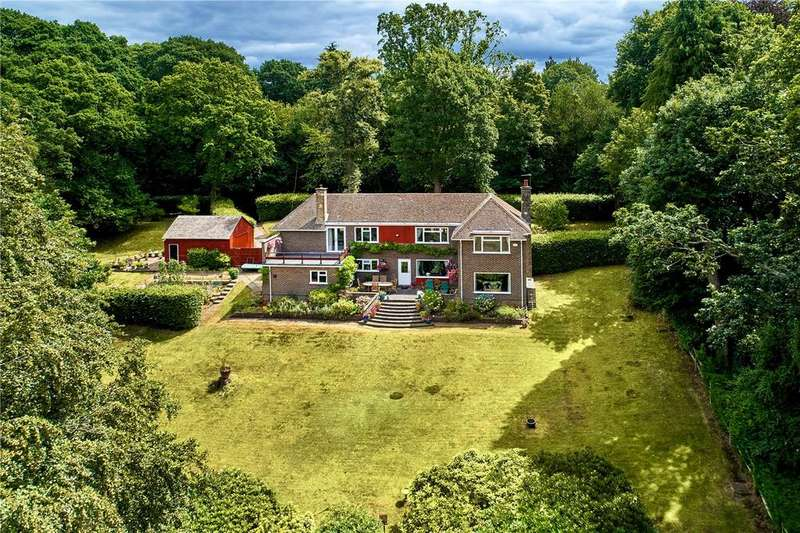 4 Bedrooms Detached House for sale in Pruetts Lane, Liss, Hampshire, GU33