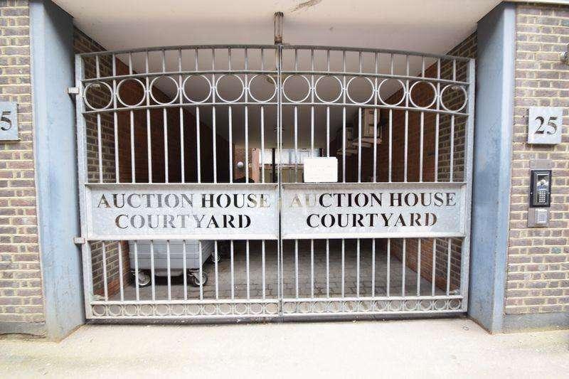 2 Bedrooms Maisonette Flat for sale in John Street, Luton