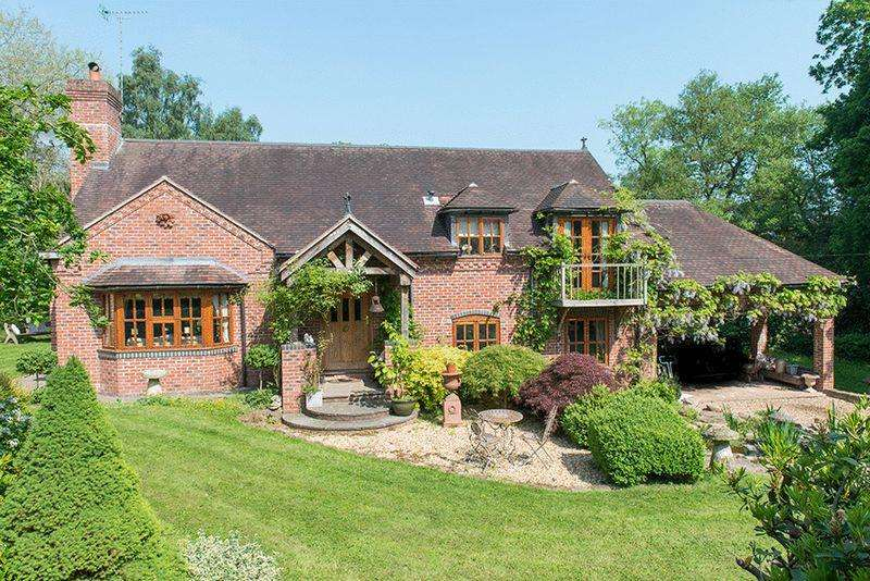 4 Bedrooms Detached House for sale in Birds Barn Lane, Wolverley DY11 5SG