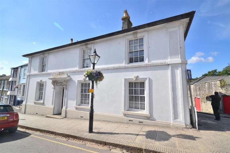 5 Bedrooms End Of Terrace House for sale in Coinagehall Street, Helston