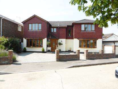 Detached House for sale in Rayleigh, Essex