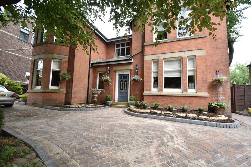 5 Bedrooms Detached House for sale in Guest Road, Prestwich, Manchester, M25