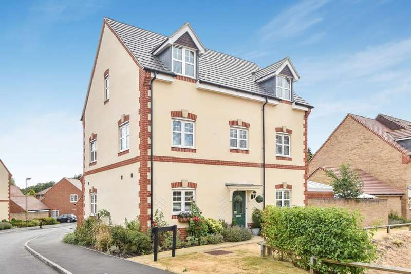 6 Bedrooms Detached House for sale in Bagshot, Surrey, GU19