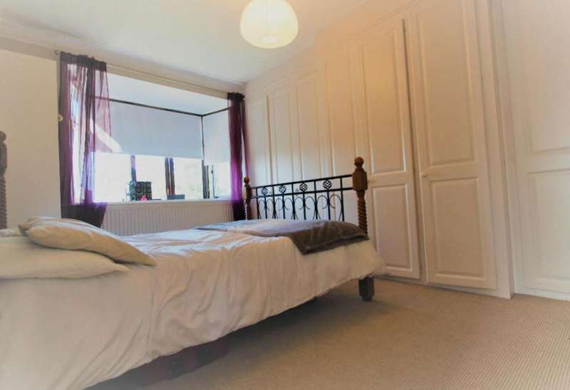 3 Bedrooms Semi Detached House for sale in Burleigh Gardens, Southgate, N14 5AG