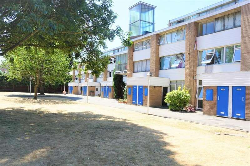 2 Bedrooms Flat for sale in Kingswood House, Farnham Road, Slough, Berks