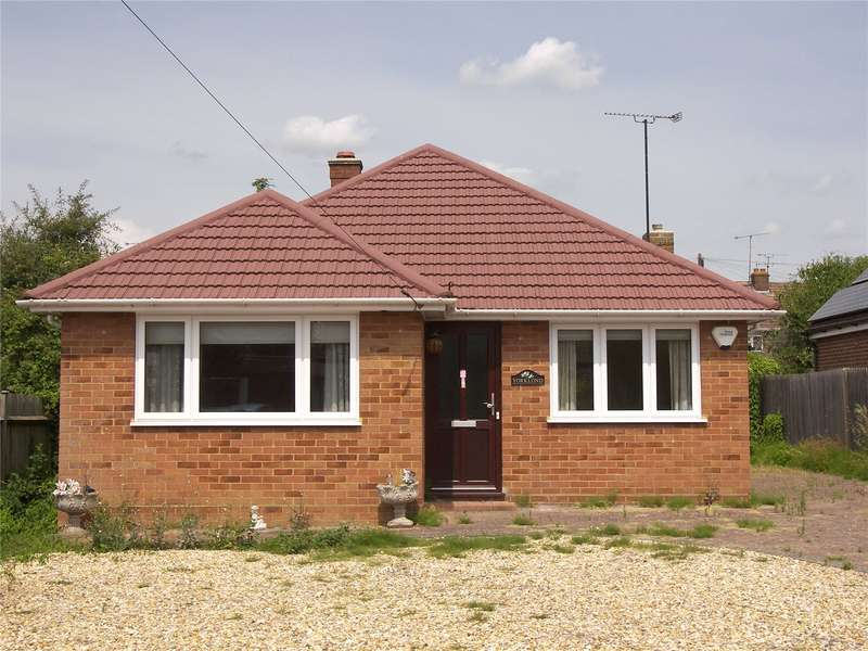 3 Bedrooms Detached Bungalow for sale in Byron Road, Twyford, Reading, Berkshire, RG10