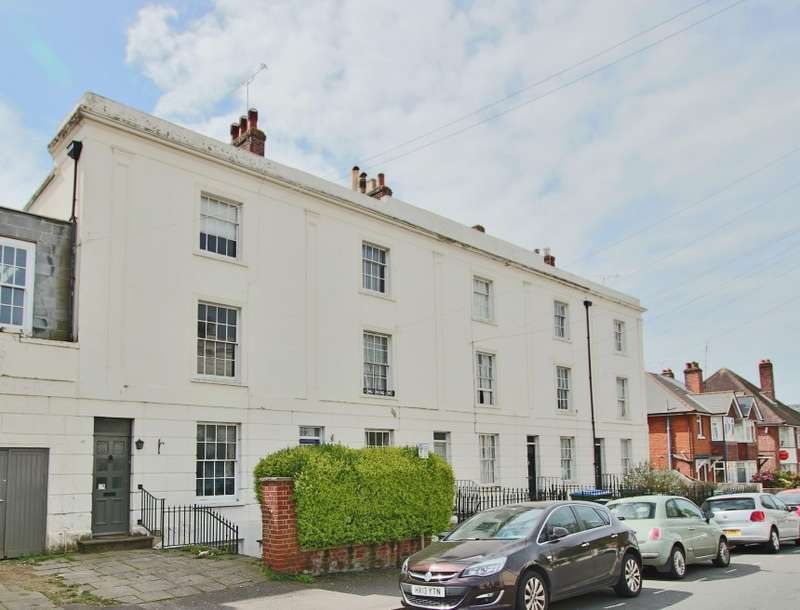 5 Bedrooms Terraced House for sale in 12 Henstead Road, Southampton, Hampshire