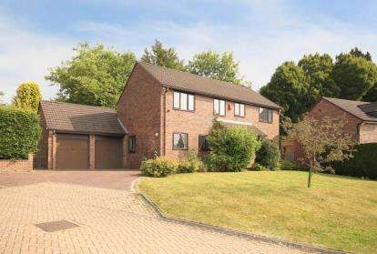 4 Bedrooms Detached House for sale in Whirlowdale Rise, Sheffield, South Yorkshire